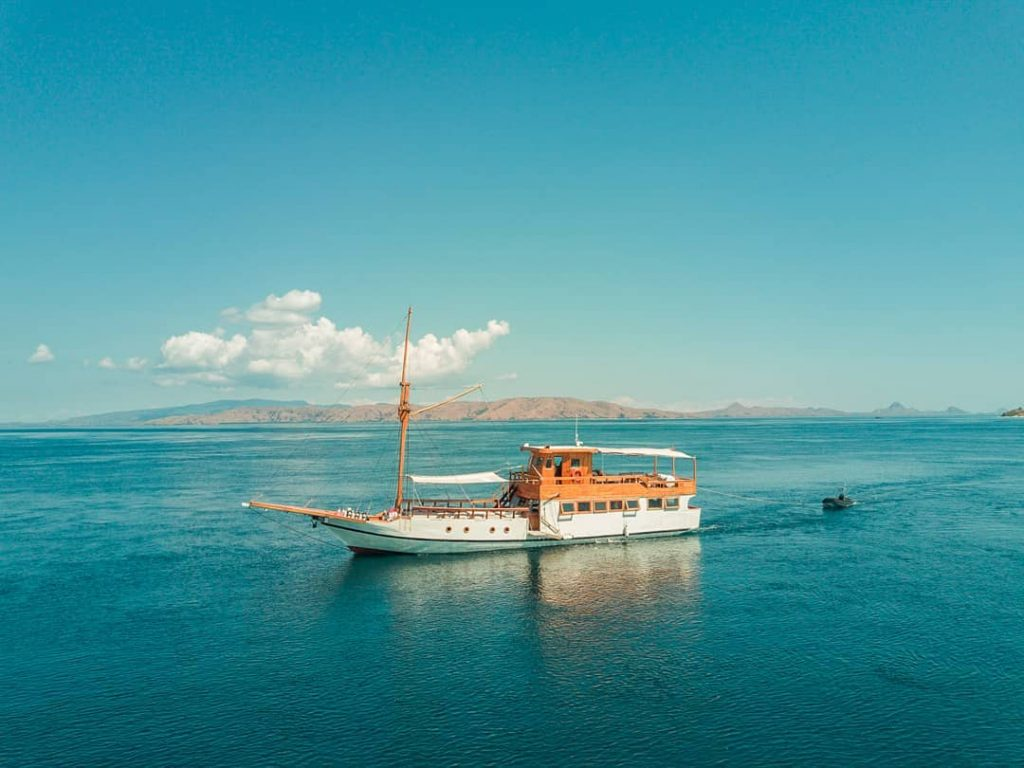 Senior Guide to Komodo Liveaboard Trip!