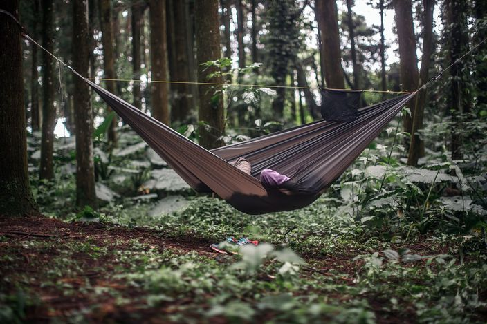 A better camping idea is waiting for you using hammock